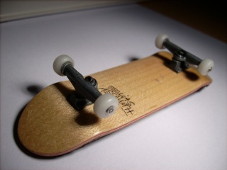 Asal Mula Fingerboard (Tech Deck)